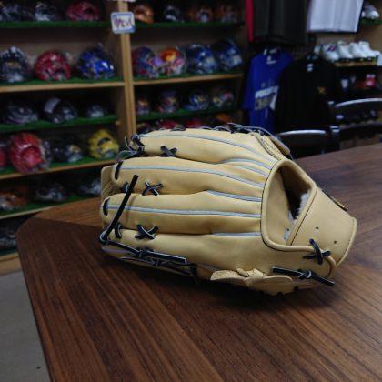 373 トレジャー硬式 外野手用モデル